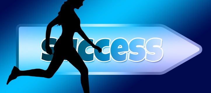 success female runner arrow blue